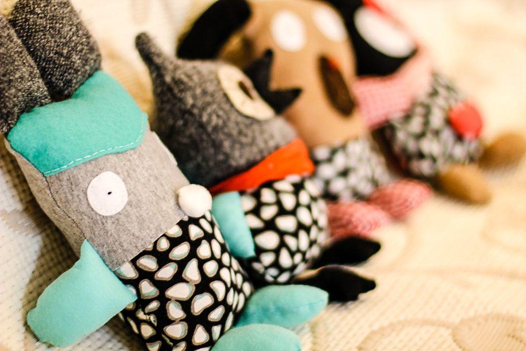 przytulanki szmacianki, zabawki DIY, maskotki z resztek materiału
